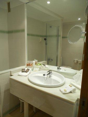 Hotel & Spa S'Entrador Playa: bagno