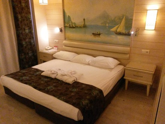 Hotel Riu Kaya Belek: bed