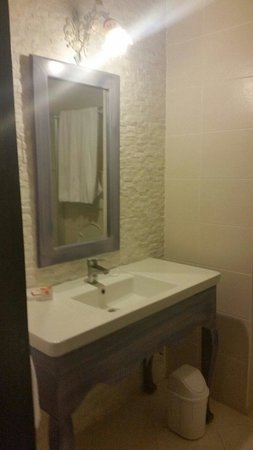 Palmera Hotel: Bathroom 
