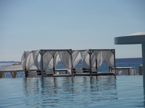 Hotel Blue Dream Palace: View from the pool