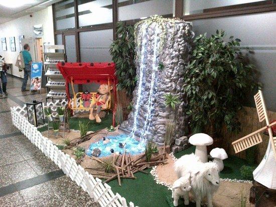 AHORN Berghotel Friedrichroda: German fantasy waterfall :)