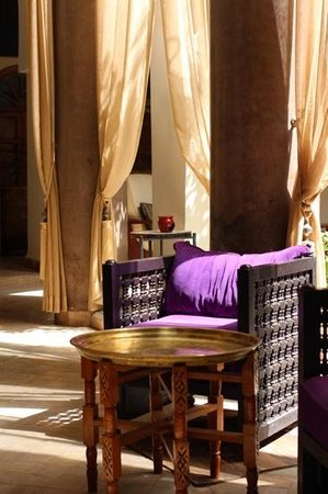 Palais Riad Calipau Marrakech: courtyard lobby area