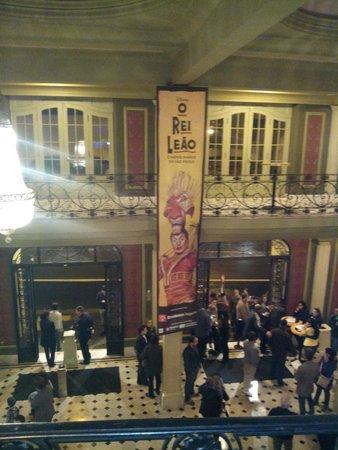 Renault Theatre: Ótima estrutura e ótimo espetáculo!