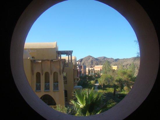 Miramar Resort Taba Heights : Widok z korytarza hotelu