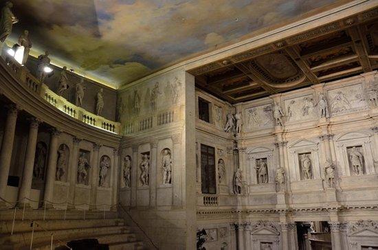 Teatro Olimpico : театр олимпико