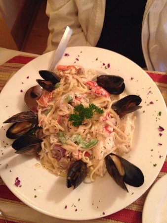 Windows On The Water Restaurant : Seafood pasta