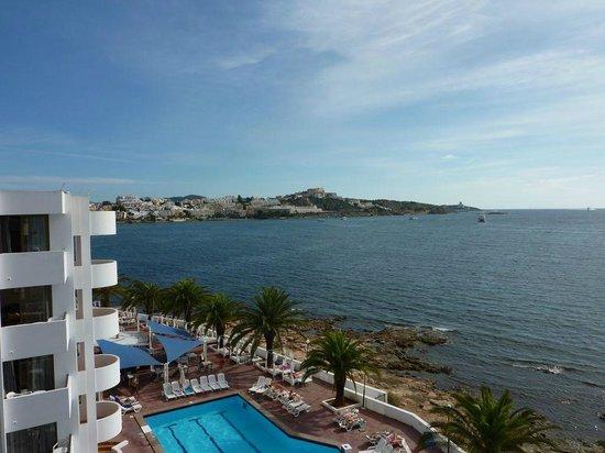 Apartamentos Playasol Jabeque Dreams: Vue sur Ibiza