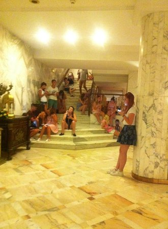 Hotel Riviera: The Wi Fi area on The Stairs