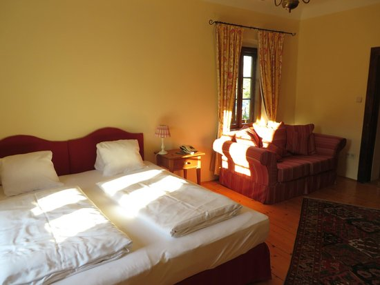"Renaissancehotel ""Raffelsberger Hof"": Room"