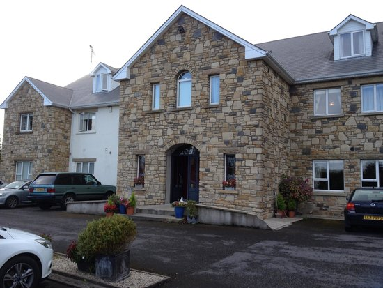 Donegal Manor: Its not a Manor and no Meals!