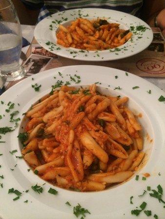 Aktaion: Garlic Pasta just spectacular!!!