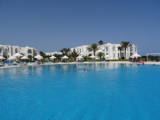 Vincci Helios Beach : la piscine