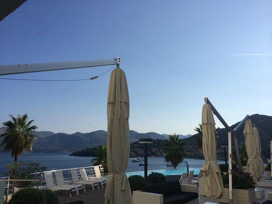 Lafodia Hotel & Resort: Pool view