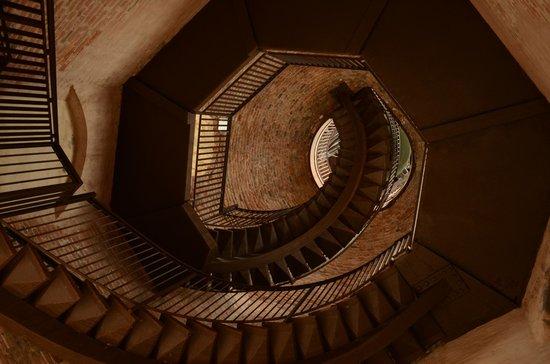 Torre dei Lamberti: scala per arrivare alla parte finale