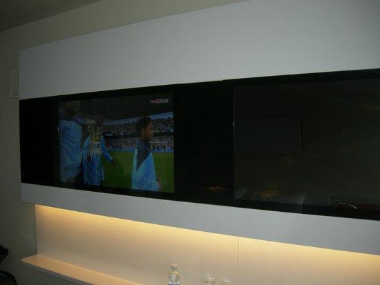 DORMERO Hotel Hannover: la televisione...
