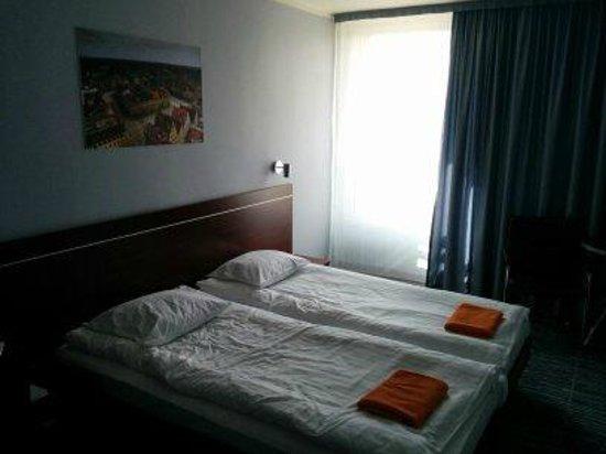 Hotel Slask: Our room