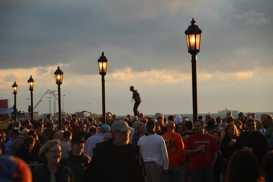 Mallory Square : Sunset Celebration