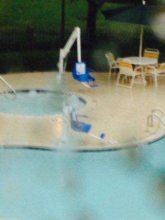 La Quinta Inn & Suites Dallas DFW Airport North : Handicap pool access