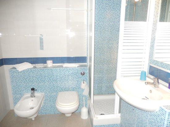 Hotel Bel 3 bathroom