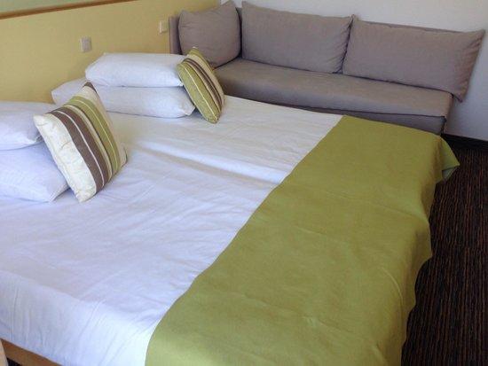 Valamar Argosy Hotel: Twin room