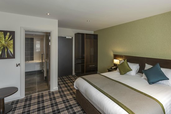 Best Western Plus Manchester Airport Wilmslow Pinewood Hotel: Executive Bedroom