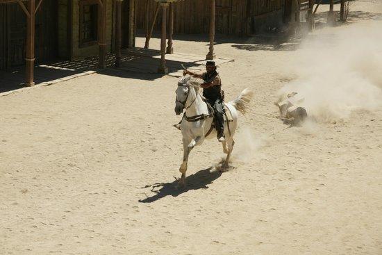 Fort Bravo Texas Hollywood: Arrastrando al ladrón.