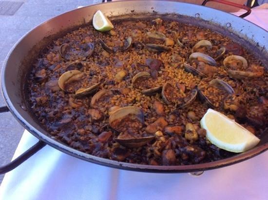 Casa Navarro: paella palourdes et chipirons