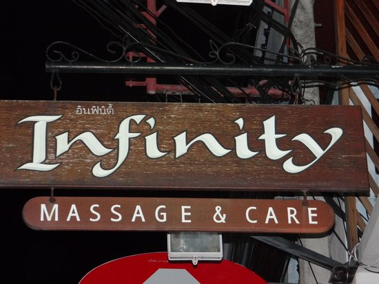 Infinity Guesthouse: insegna
