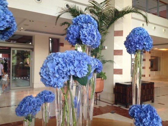 The Ritz-Carlton, Abama: Lobby fleuri