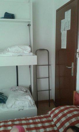 letto a castello con scaletta in ferro - Picture of Hotel ...