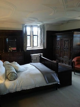 Melcombe Bingham, UK: Wowed by trhe room on our arrival