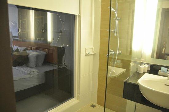 Novotel Phuket Resort : Bathroom