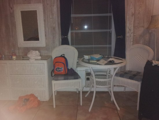 Captain Pip's Marina & Hideaway: room