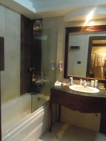 Panorama Bungalows Resort El Gouna: Ванная комната