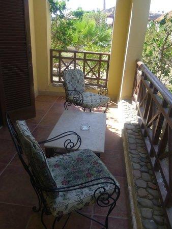 Panorama Bungalows Resort El Gouna: Наша маленькая террасса