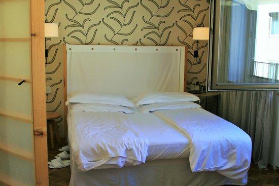 Cortiina Hotel: comfortable bed