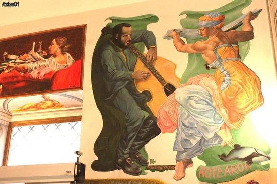 Mia Cara/Archi Rossi Hostel: Фрески на стенах