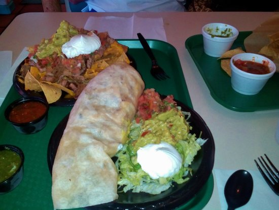 Rosa's Cantina: Large portions and food is decent