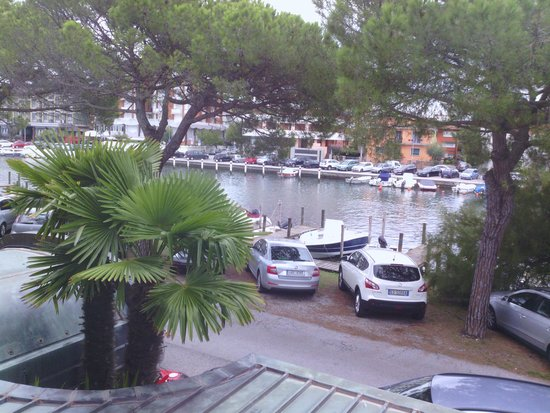 Hotel Serena Meuble: vista dal balcone camera 22