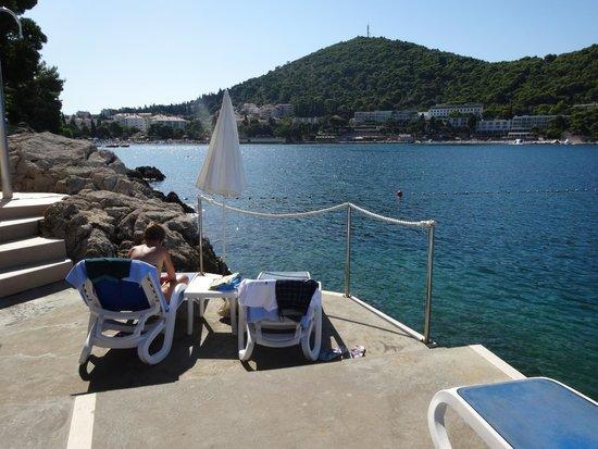 Hotel More: Beach area