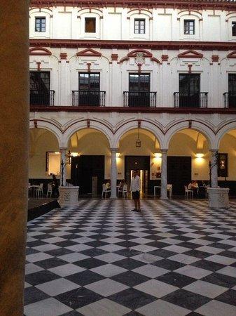Hotel Convento Cadiz: Innergården