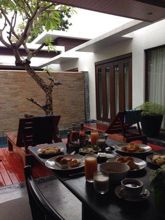 Malisa Villa Suites : Breakfast