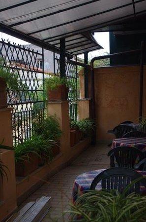 Hotel Grifo: Semi private balcony