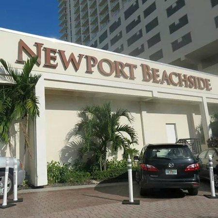 Newport Beachside Hotel and Resort: Ingreso al hotel!