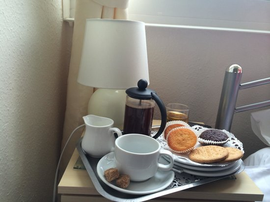 Caxton House: Coffee and cake on arrival