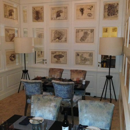 Only YOU Boutique Hotel Madrid: Private dining room wall.
