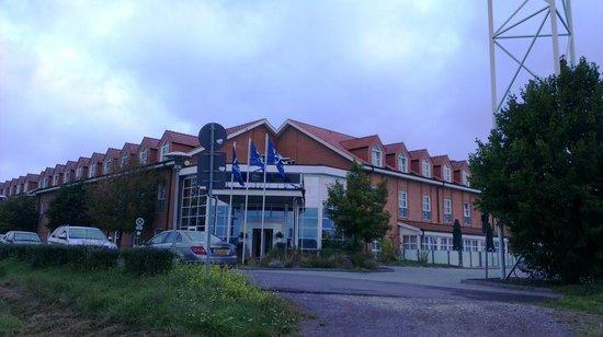"""NH Magdeburg: Hotellet set fra """"marken"""""""