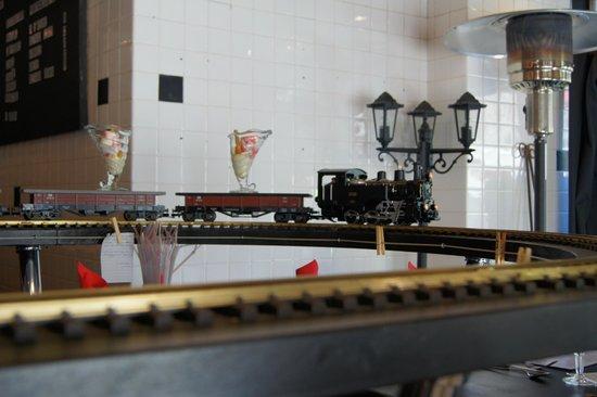 Tchou tchou photo de le train gourmet vallon pont d 39 arc - Tchou tchou le train ...