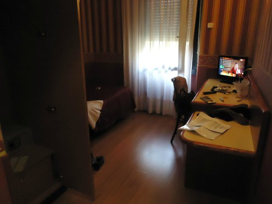 Hotel Garda: single bedroom