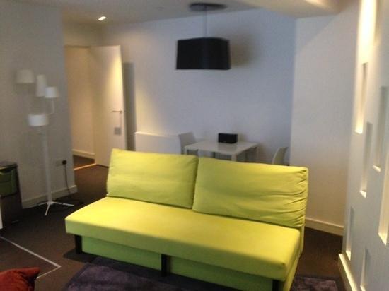 Go Native Hyde Park : lounge